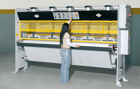 hot-welding-machines-fabrics-hot-welding-textiles-presses-hot-sealing:technical-characteristics-and-positioning-pressa_3000-1